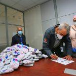 Municipio de Ambato, realiza donación de insumos al Hospital Docente Ambato.