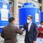 Municipalidad entrega 12 lavamanos industriales a parroquias rurales