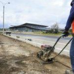 Obras de mantenimiento en las vías de Ambato
