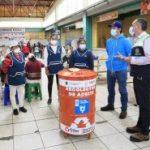 Ubican contenedores para aceite usado en las plazas y mercados de Ambato