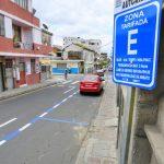 15 nuevas plazas de parqueo tarifado se ubican en el centro de Ambato