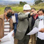 Directivos y moradores de Constantino Fernández reciben atención Municipal