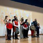 2000 estudiantes se benefician de entrega de kits educativos